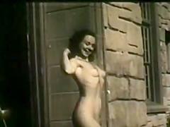 En Garde Nude