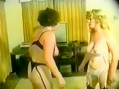 Retro Mom Catfight