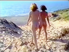 Vídeo Vintage de chicas nudistas en la playa