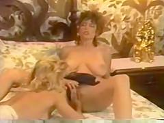 I Love The 80s - Ginger & Christy Hot Lesbian Scene