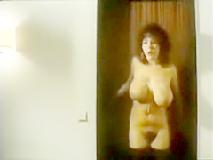 Enf naked in hotel