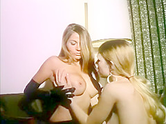 Lesbian's games in leather gloves
