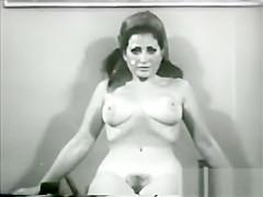 Monique Uses the Slim Gym Nude
