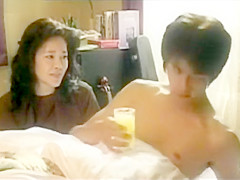 愛染恭子(Aizome Kyoko) in 艶熟母(Sensual Mother) Full Movie