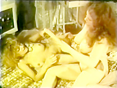 Lesbian Peepshow Loops 659 70s and 80s - Scene 3