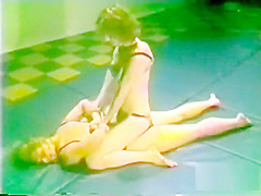Vintage catfight Tall P1