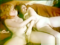 Lesbian Peepshow Loops 534 70's and 80's - Scene 4