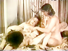 Lesbian Peepshow Loops 588 60s and 70s - Scene 2