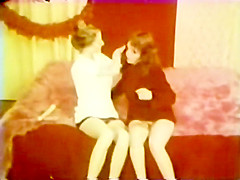 Lesbian Peepshow Loops 587 70's and 80's - Scene 3