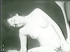 Lesbian Peepshow Loops 628 50's and 60's - Scene 3