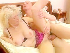 Ripe blonde fucked in ass and pussy
