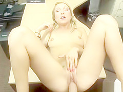 Public handjob cum hot diamond kitty