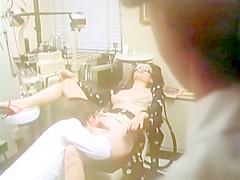 Classic XXX: Kinky dentist office tryst!