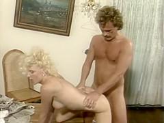 Secretary Deep Throats Her Boss