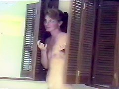 Cute brunette nude in bath then gets facial (poor video quality at end)