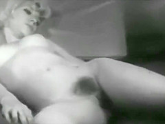 Vintage Models That Show Pussy