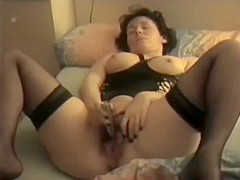 French granny brings herself to orgasm