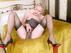Babe fucks toy in new shoes with sheer nylons retro lingerie