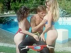 Moana Pozzi anal threesome in Un Culo un mito (1990)