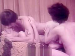 Girlfriend Gives a Deep Blowjob (1970s Vintage)