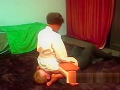 Toples black wrester destroys male opponent