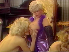 Big tits everywhere you look - Porn Star Legends