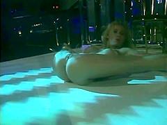 Flexible Hot Curvy Stripper Darien