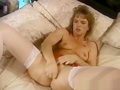 An Eighties Housewife Pussy Masturbation Session