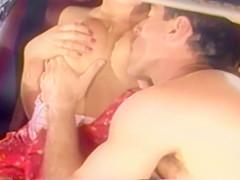 Brunette Vintage Girls Kissing And Making The Lvoe