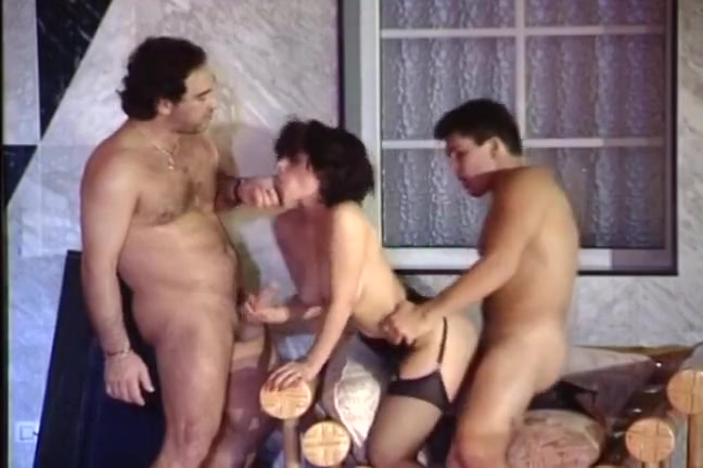 Порно видео с sarah young