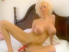Порно актриса долли бастер