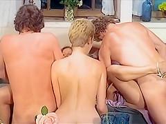 lesbisk forføre lige pigen porno