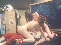 Crazy facial vintage clip with Chris Bloom and Tricky Dicky