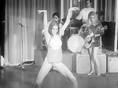 Hippie Style Hot Dance