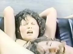 New York Times kallade den porno chic, vilket gav Långt ner i halsen ett slags kulturell.