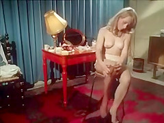 Classic porn - blonde shaving herself