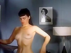 Vintage Betty undressing
