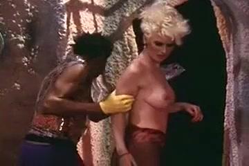 Largest lesbian bukkake orgy