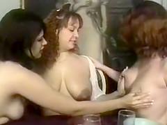 lactamanija -ot 3 girls in brakefast