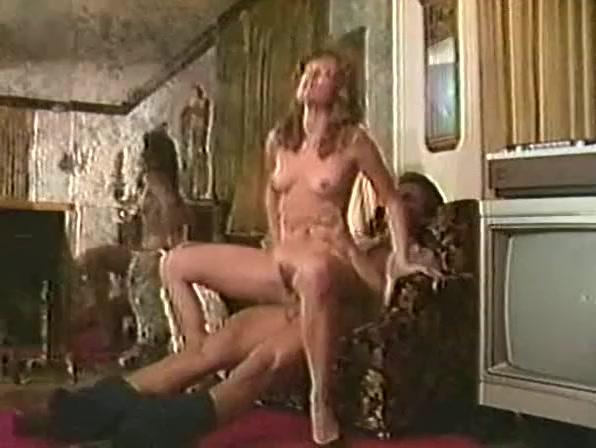 smotret-porno-lesbi-nezhnie