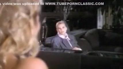 смотреть девушки мастурбируют и кончают перед веб камерой
