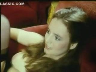 красивый минет в клубе видео