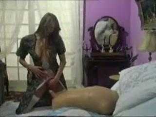 devushka-bonda-okazalas-transseksualom