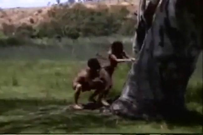 Порно видео лев трахает человека