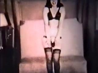 BETTIE BOP - vintage nylons dance stockings tease