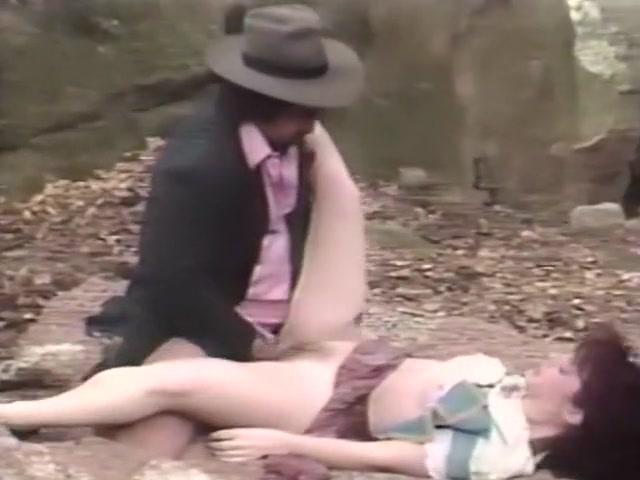 порнофото женщина дрочит член