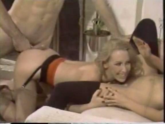 Naked girls oral sex