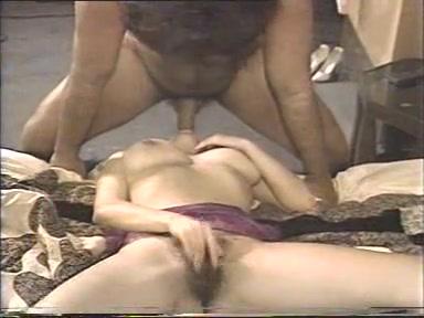 Бесплатное порновидео с девушками в джинсах фото 143-300
