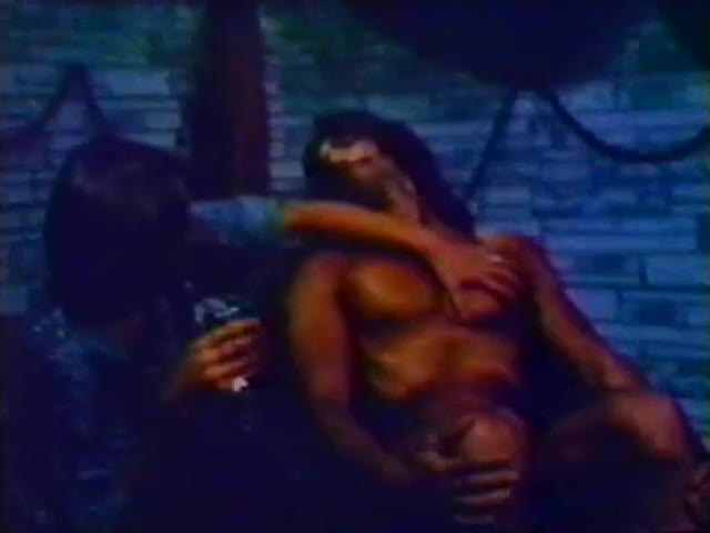smotret-filmi-tolstushek-erotika