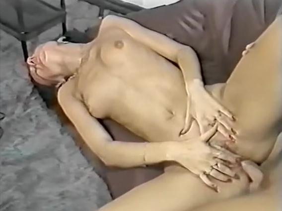 Порно онлайн извращения японки фото 636-466